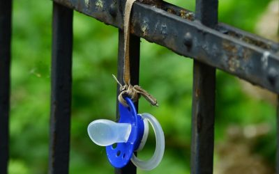 Pacifier: to use or not to use?